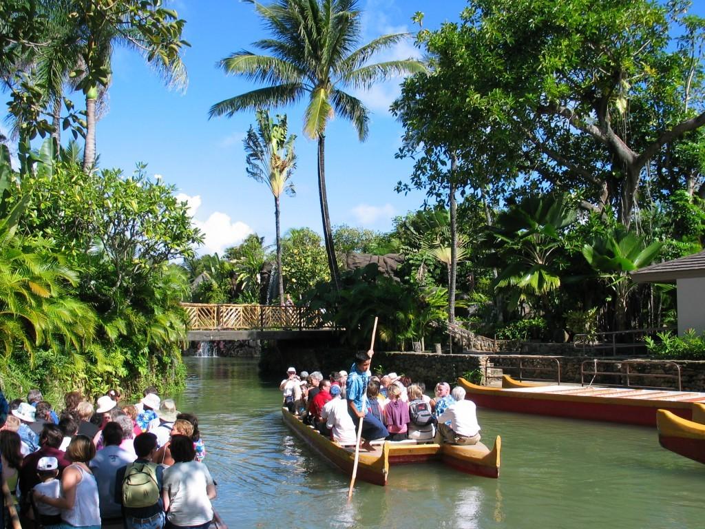 Polynesian_Cultural_Centre_Canoe_Ride