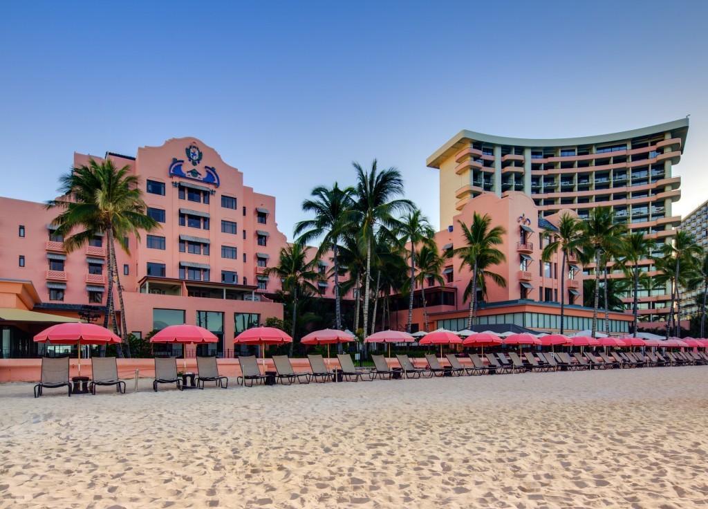 lux376ex-167911-Beachfront Exterior