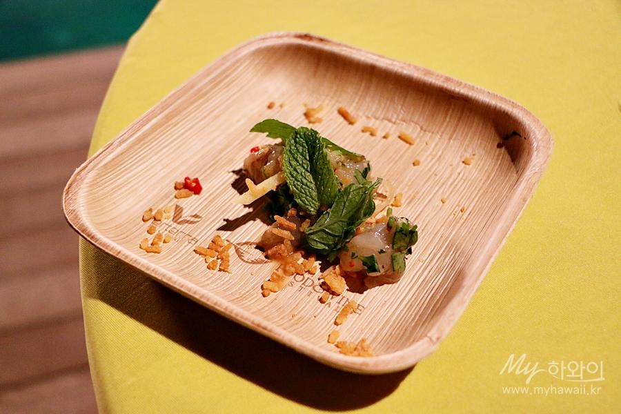 1-night-market-kauai-prawn-thai-ceviche-crispy-rice-and-wailea-ag-yuzu