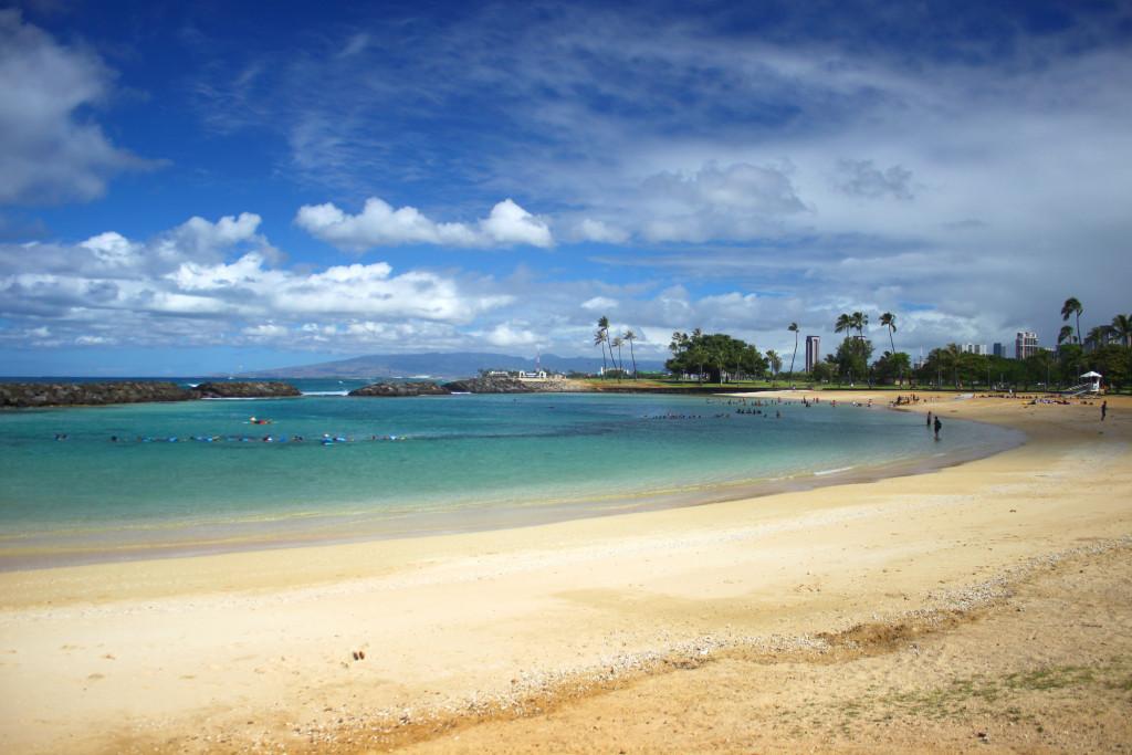 ala-moana-beach-1
